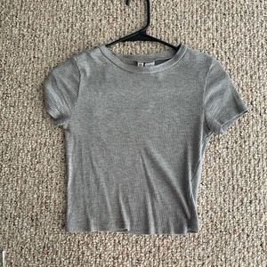 H&M Tops - H&M grey crop top